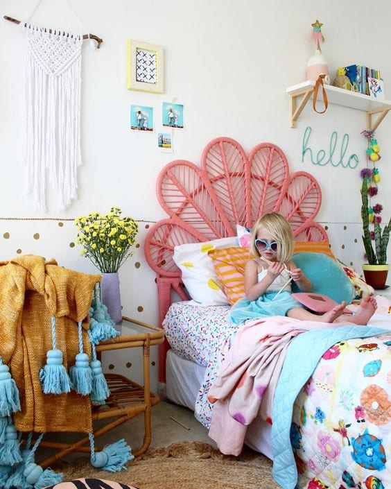 Vintage rooms for girls