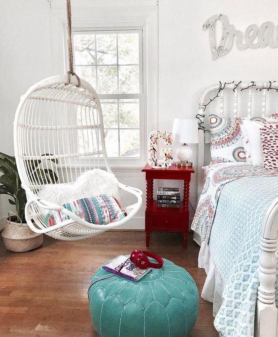 Hanging chairs trend
