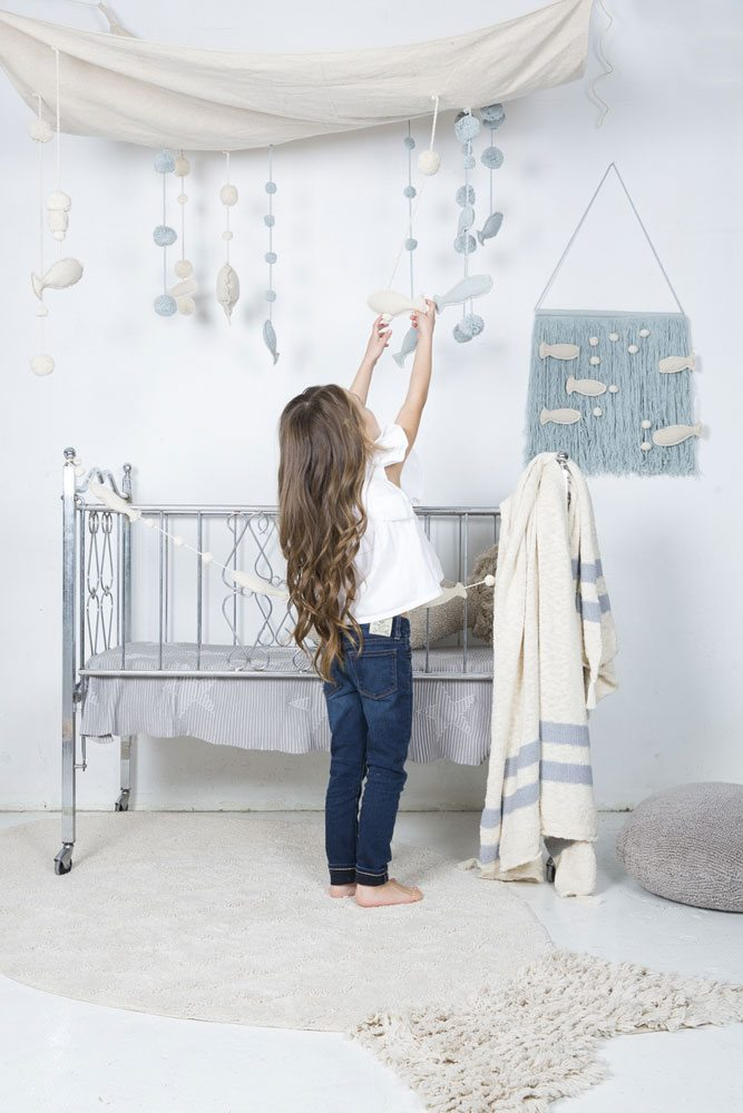 Decorative accessories for marine-style rooms