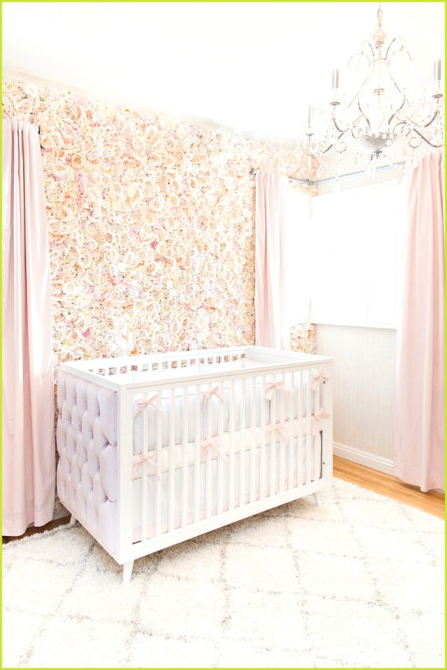 Flowers to decorate the baby's room
