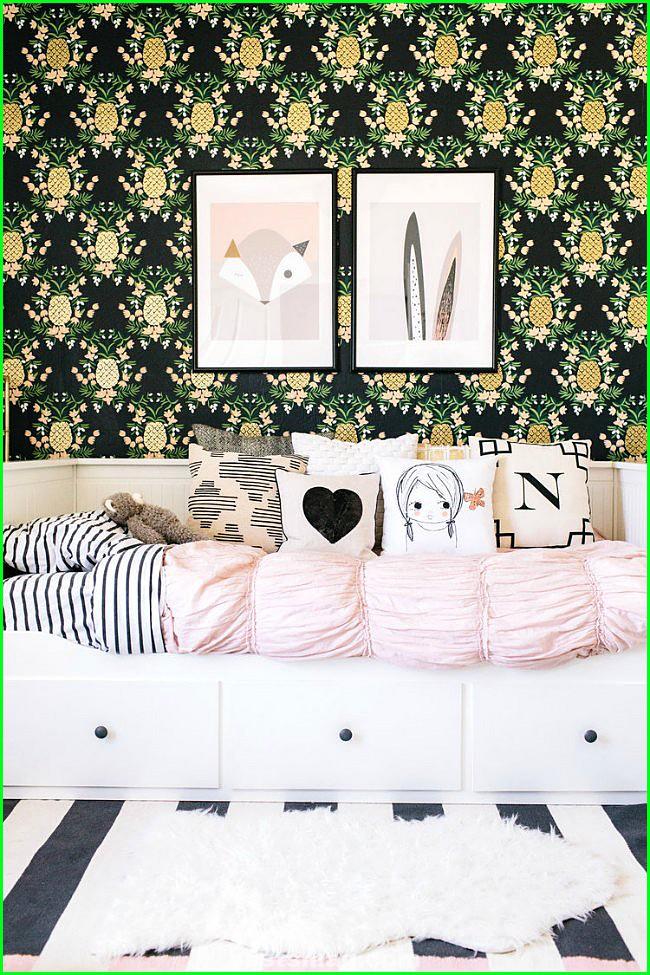Elle's Tropical Romantic Room