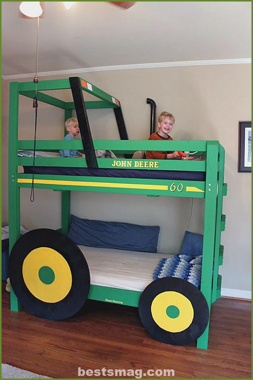 Tractor bunk bed for children's rooms