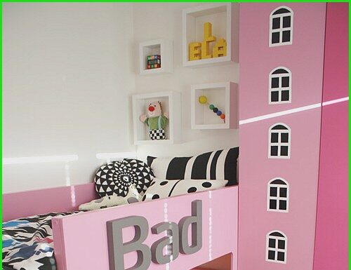 A room to sleep and play