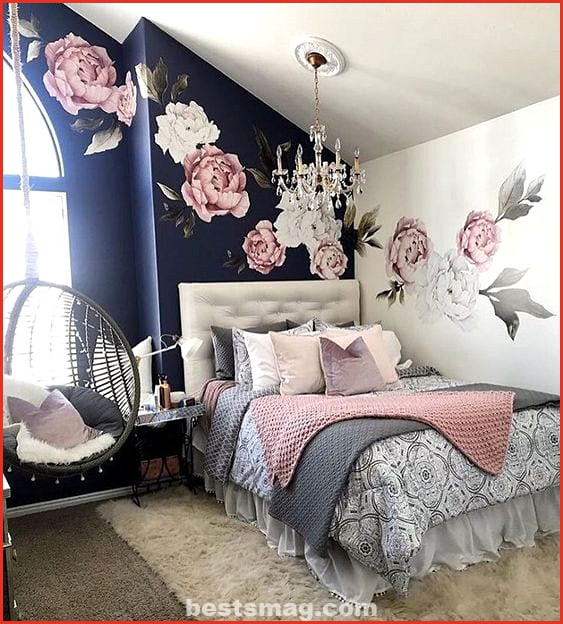 Rooms in pink and black