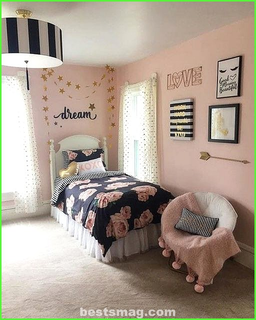 Youth rooms in pink and black