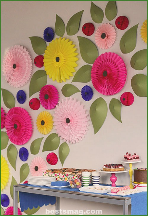 Paper flowers to decorate a children's wall