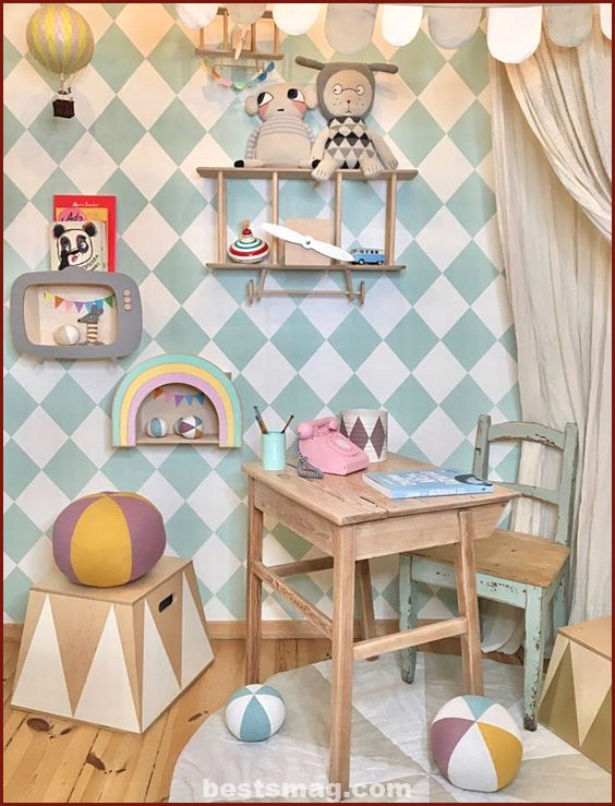 UP Warsaw children's shelves