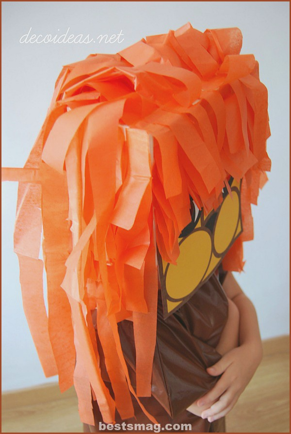 lion-costume-5