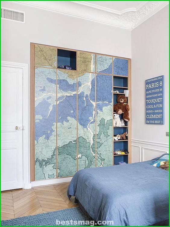 Decorate children's wardrobe