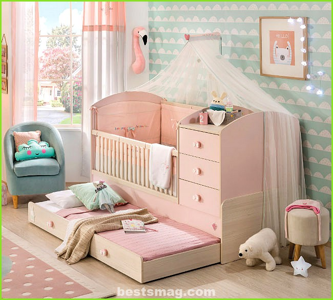 Baby Girl crib with extra bed