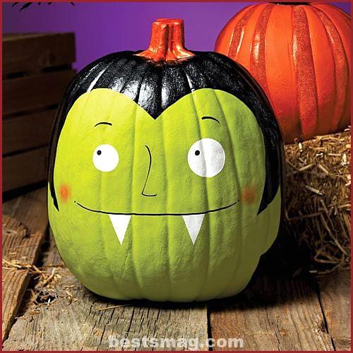 Decorate Halloween pumpkins