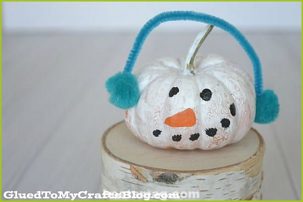 Decorating Halloween pumpkins with children