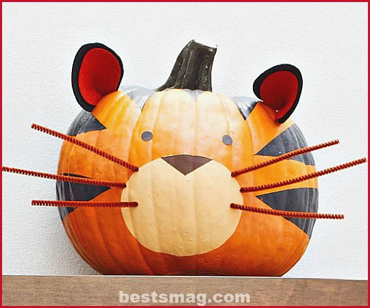 Decorate children's pumpkins
