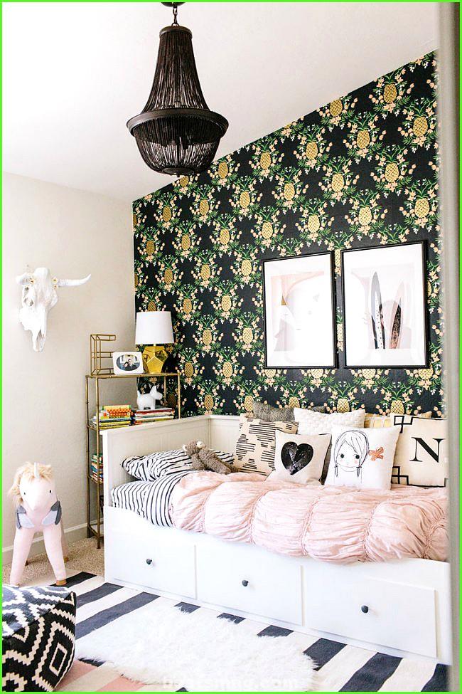 tropical romantic room