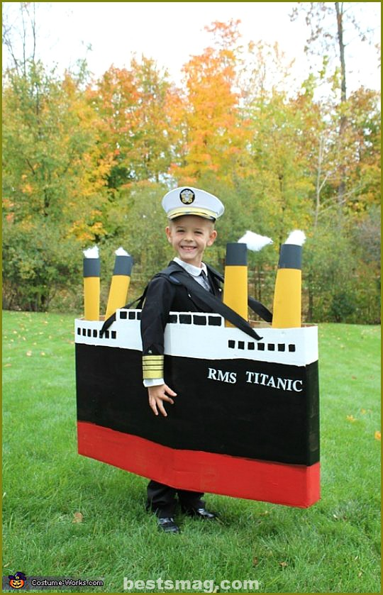 costume-captain